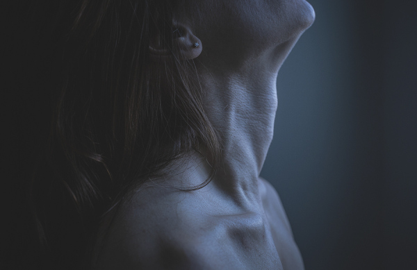 breathe-neck-woman