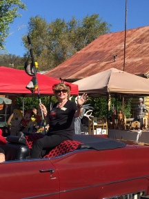 mom-in-parade-2016-img_0463