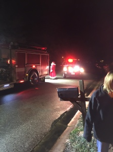 santa-came-by-fire-truck-img_0711
